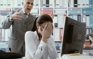 Carta de renuncia por acoso laboral